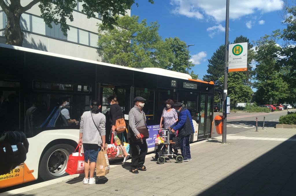 코로나 이후 독일에서도 공공장소에서의 마스크 착용은 필수다