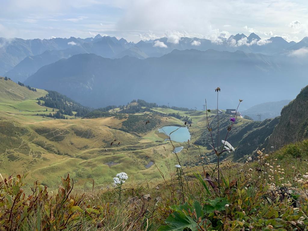 독일 알프스산맥 중 하나인 Fellhorn에서 바라본 풍광, Schlappoldsee